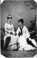 MP-0000.392.5 | Deux inconnues, vers 1885 | Photographie | Anonyme - Anonymous |  |