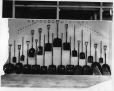 MP-0000.587.70 | Display of Eureka shovels, about 1920 | Photograph | Anonyme - Anonymous |  |