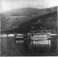 MP-0000.1340.7 | C. P. R. houseboat on Lake Kootenay, Nelson, BC, about 1900 | Print | Anonyme - Anonymous |  |
