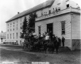 MP-0000.1865.2 | Stagecoach at St. Leon Spring Hotel, QC, about 1885 | Photograph | Arless & Co. |  |