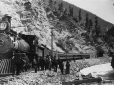 MP-0000.25.1005 | Train in the Rocky Mountains, about 1893 | Photograph | Anonyme - Anonymous |  |
