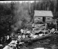 MP-0000.25.1102 | Travellers with canoes at mealtime, near Lake Temiscaming, ON-QC, about 1895 | Photograph | Anonyme - Anonymous |  |