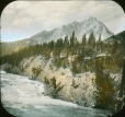 MP-0000.25.670 | Chute de la rivière Bow, Banff, Alb., vers 1910 | Photographie | Anonyme - Anonymous |  |
