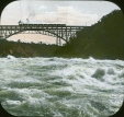 MP-0000.25.760 | Les rapides Whirlpool sur la rivière Niagara, chutes Niagara, Ont., vers 1910 | Photographie | Anonyme - Anonymous |  |