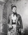 MP-0000.25.935 | Ishbel Maria Coutts Majoribanks, comtesse d'Aberdeen, 1891 | Photographie | Anonyme - Anonymous |  |