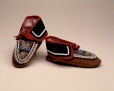 M12627 |  | Moccasins | Anonyme - Anonymous | Aboriginal: Iroquois, Mohawk | Eastern Woodlands