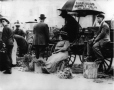 MP-1984.105.29 | Vendors, Jacques Cartier Square Market, Montreal, QC, about 1910 | Photograph | Anonyme - Anonymous |  |
