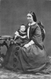 I-1007.1 | Mrs. Caverhill and baby, Montreal, QC, 1861 | Photograph | William Notman (1826-1891) |  |