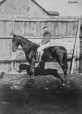 I-34396.1 | Capitaine Poynter à cheval, Montréal, QC, 1868 | Photographie | William Notman (1826-1891) |  |