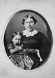I-5815.0.1 | Mrs. Murray and child, copied 1863 | Photograph | Anonyme - Anonymous |  |