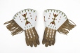 M5426.0-1 |  | Gloves | Anonyme - Anonymous | Aboriginal: Assiniboine or Nakoda | Northern Plains