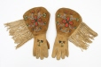 M5431.0-1 |  | Gloves | Anonyme - Anonymous | Aboriginal: Assiniboine or Nakoda | Northern Plains