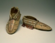 ME940.1.1.1-2 |  | Moccasins | Anonyme - Anonymous | Aboriginal: Iroquois or Dene |