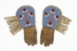 ME982.564A-B |  | Gloves | Anonyme - Anonymous | Aboriginal: Niisitapiikwan? | Northern Plains