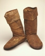 ME988.138.10A-B |  | Bottes | Anonyme - Anonymous | Inuit : Kablunangajuit | Arctique de l'Est