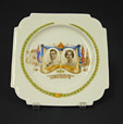 1992.2.89 | Visite royale | Assiette | John Aynsley & Sons Limited |  |