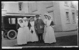 II-243223.0 | Officer and nurses, World War I, about 1915, copied for Dr. Maud Abbott in 1921 | Photograph | Anonyme - Anonymous |  |