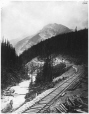 VIEW-1364.1 | Fin de la voie ferrée, col Kicking Horse, près de Hector, C.-B., 1884 | Photographie | William McFarlane Notman |  |