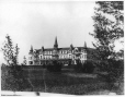 VIEW-3200.1 | Roberval House, Roberval, Lake St. John, QC, about 1898 | Photograph | Wm. Notman & Son |  |