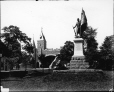 VIEW-8006 | Monument aux soldats et porte Saint-Louis, Qubec, QC, 1915 (?) | Photographie | Wm. Notman &amp; Son |  | 